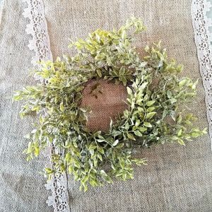 Frosted Tea Leaf Candle Ring Mini Wreath New